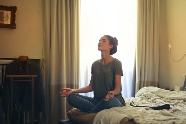 melakukan yoga sebelum tidur bisa bikin langsing