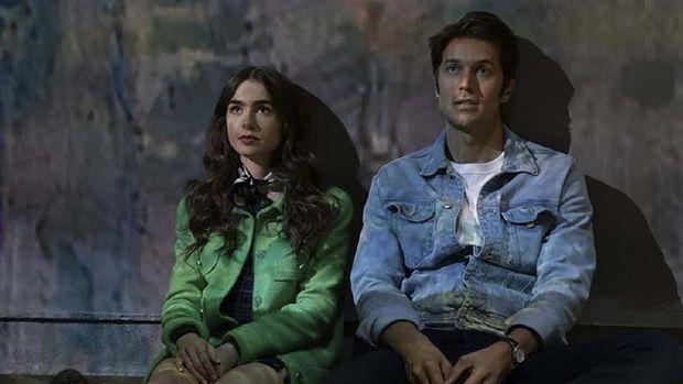 Cuplikan adegan dalam serial 'Emily in Paris' yang tayang di Netflix. (Dok. Netflix/IMDB)