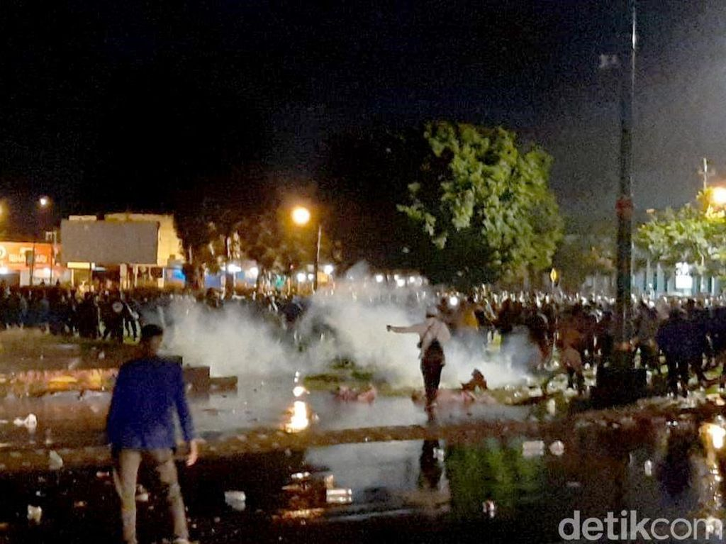 Polisi Amankan 5 Pelajar dari Massa Demo Omnibus Law di Banyumas