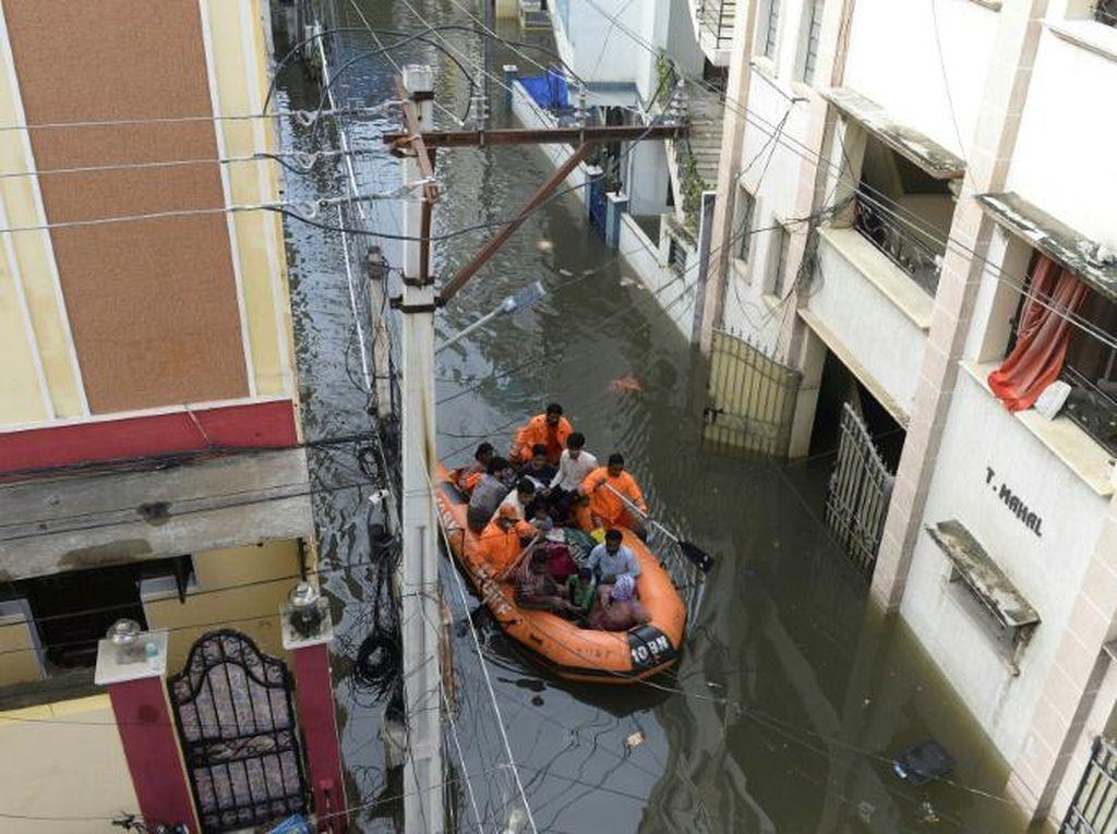 30 Orang Tewas Akibat Banjir di India Selatan