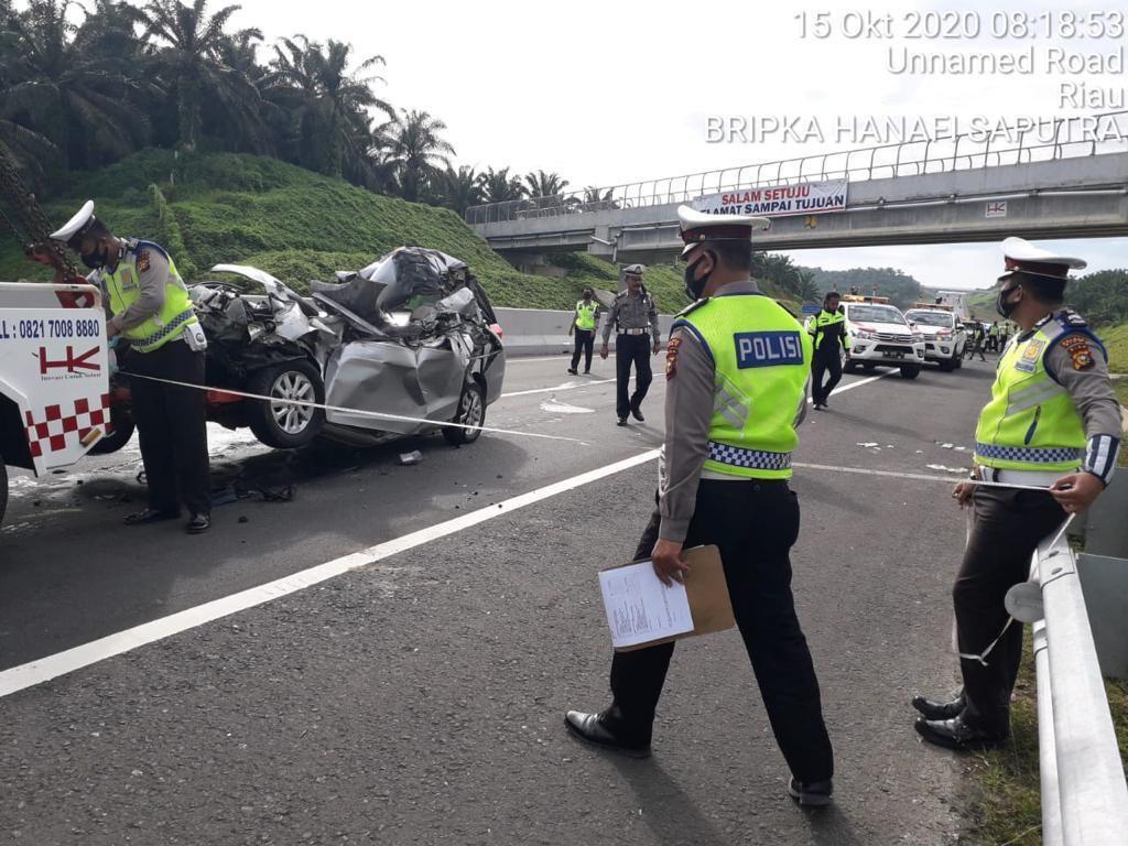Kecelakaan Maut di Tol Pekanbaru-Dumai, 2 Orang Tewas