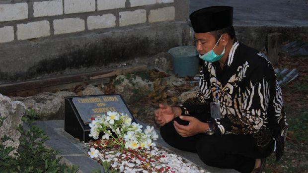 Makam Choirul Huda