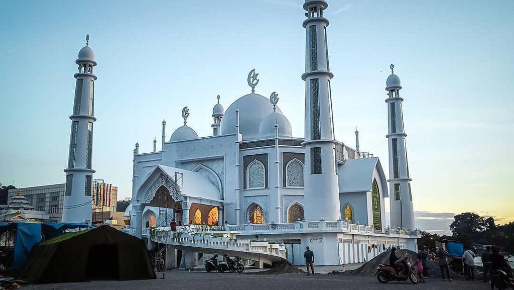 Potret Masjid Sumbar yang Ternoda Video Tiktok Wanita Joget