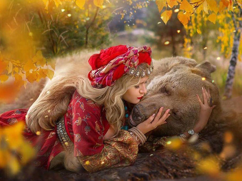 Cerita Beruang yang Jadi Model di Rusia