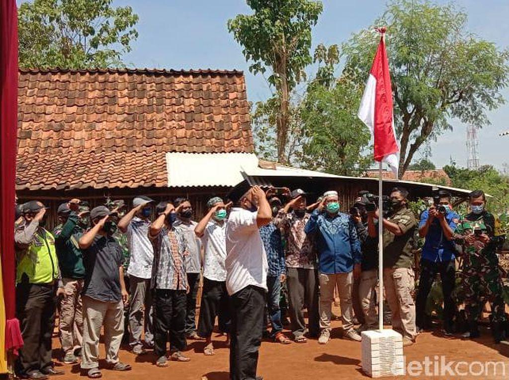 Mantan Napiter Bersama TNI Guyub Rukun Bedah Rumah Warga di Lamongan