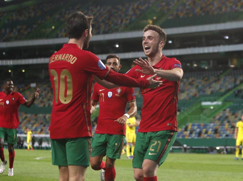 Ronaldo Absen, Portugal Tekuk Swedia 3-0