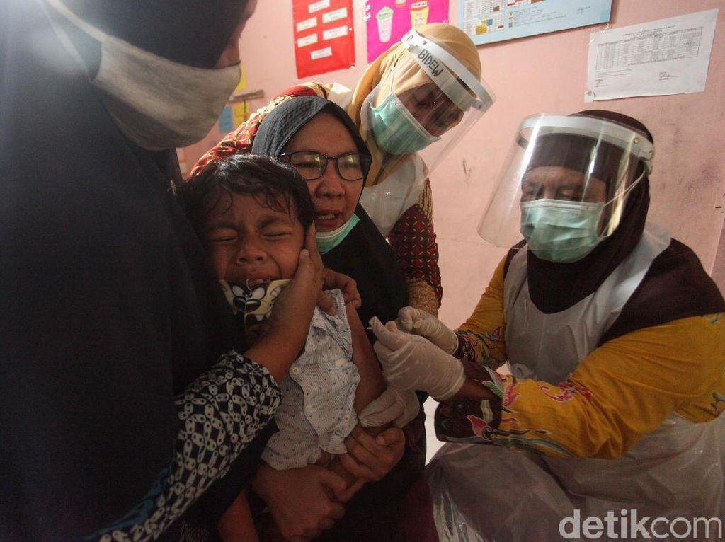 Ragam Ekspresi Anak-anak Saat Disuntik Vaksin Campak-Rubella