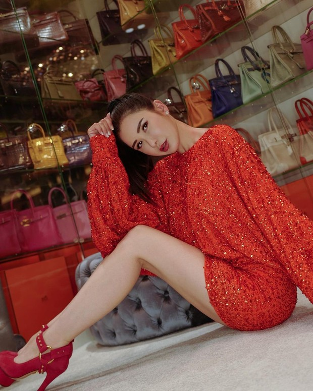 Kejadian kehilangan emas yang diungkap sosialita cantik Jamie Chua.