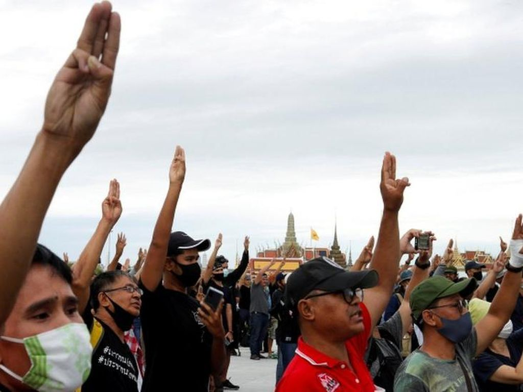 Thailand Umumkan Dekrit Darurat, Kerumunan Dilarang dan Media Dibatasi