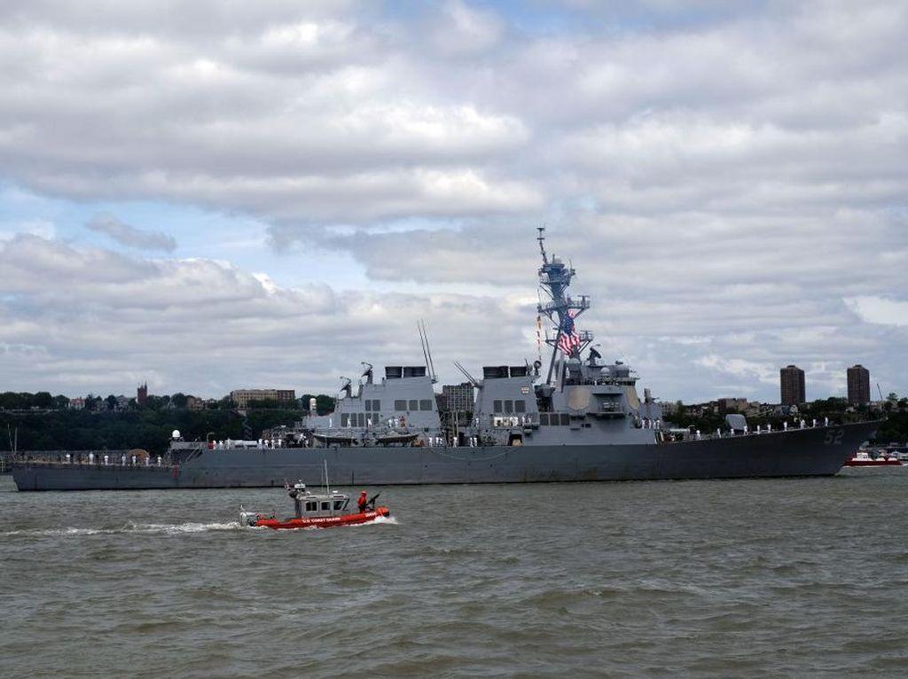 Kapal Perang AS Lintasi Selat Taiwan, Berpotensi Bikin China Marah