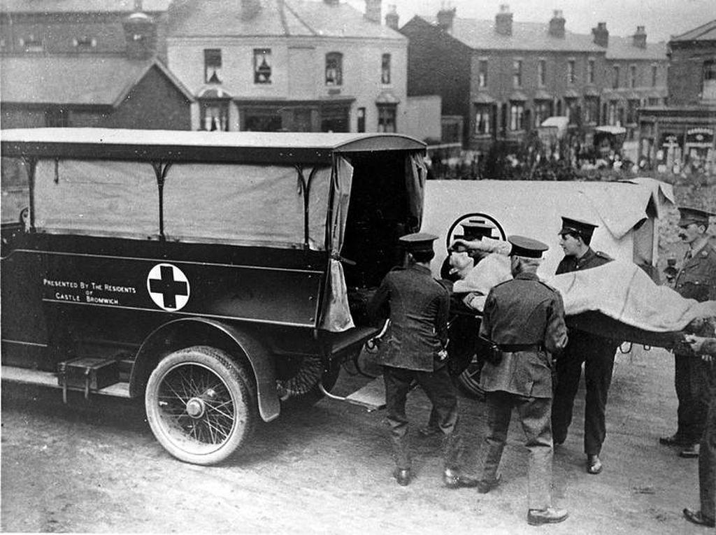 Aturan Dunia: Ambulans Tidak Boleh Diserang Meski Perang