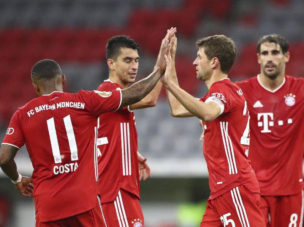 Video Choupo-Moting Brace Gol, Bayern Munich Hajar FC Duren 3-0