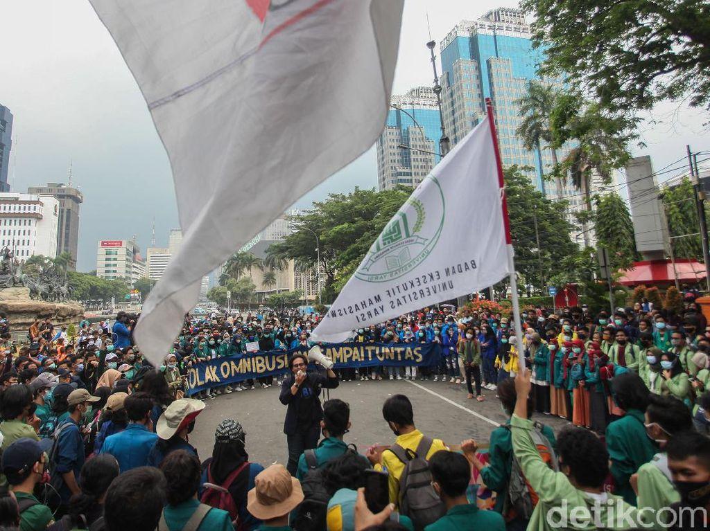 Demo Tolak UU Cipta Kerja, Mahasiswa Minta Ditemui Jokowi