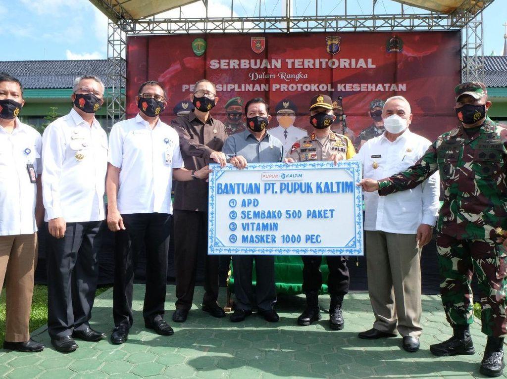 Dirut Pupuk Kaltim Rahmad Pribadi Donasi APD sampai Masker ke TNI