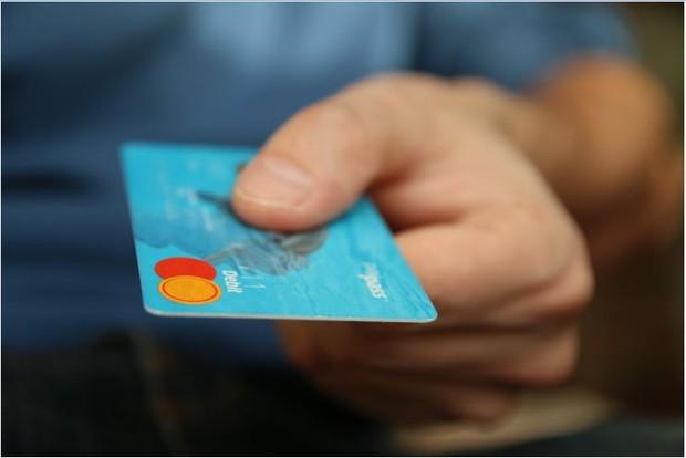Hindari hutang agar tidak pusing