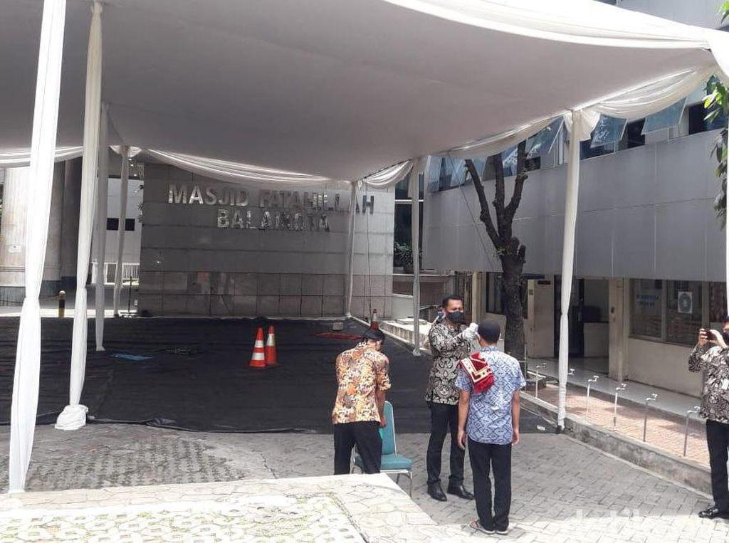 Masjid Fatahillah Balai Kota DKI Kembali Gelar Jumatan di Masa PSBB Transisi