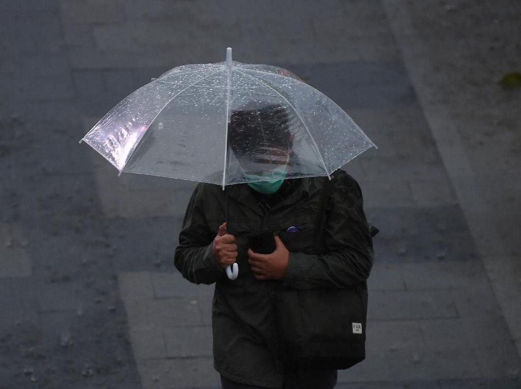 BMKG: Waspada Potensi Hujan di Jaksel pada Siang hingga Sore Hari