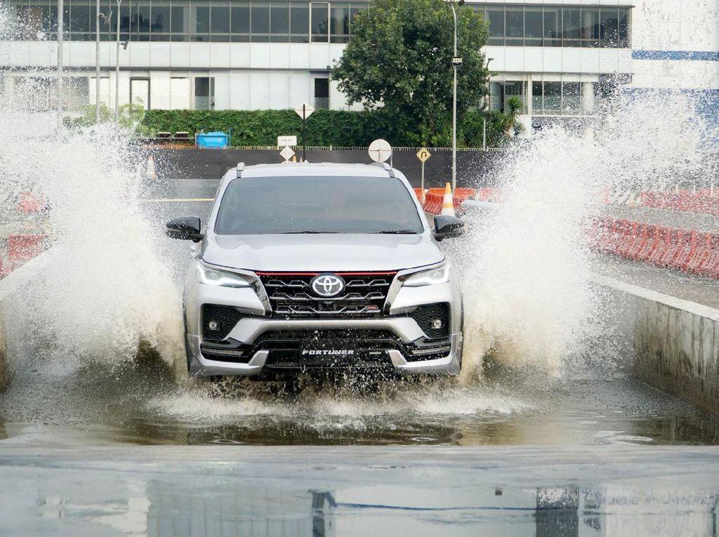Makin Macho, Ini Penampakan Toyota Fortuner Terbaru