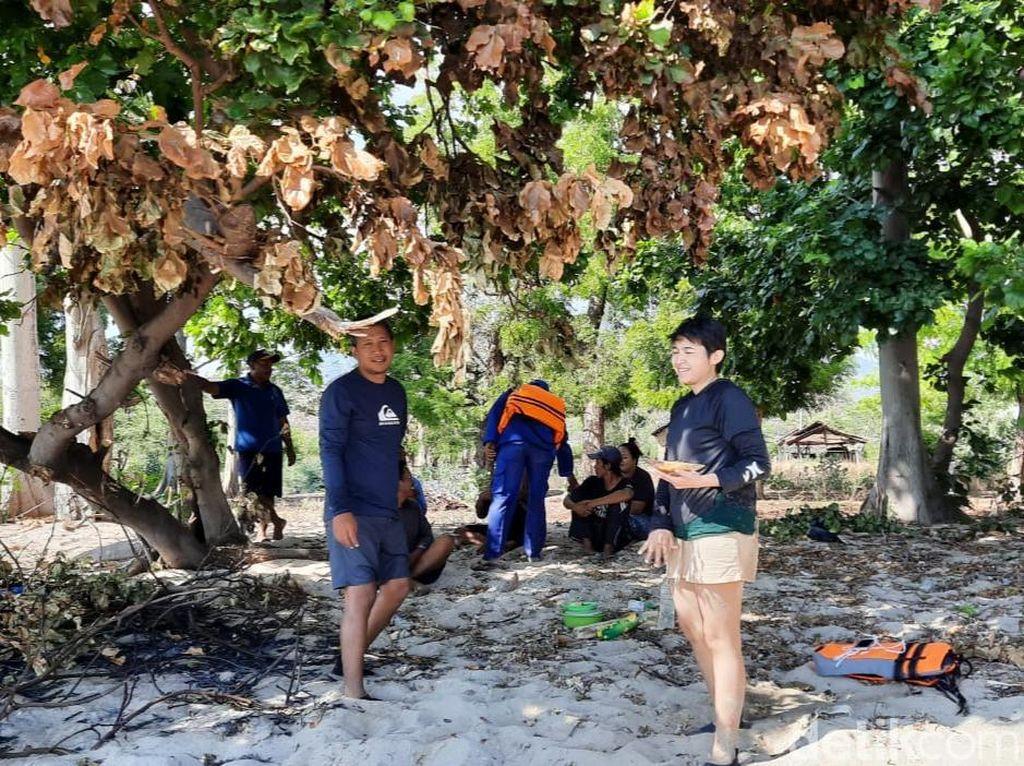 Jet Ski Mati Mesin di Perairan Banyuwangi, 2 Wisatawan Terdampar di Pantai Merak