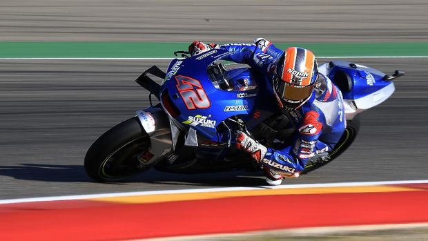 Suzuki Ecstar's Spanish rider Alex Rins rides during the first MotoGP free practice session of the Moto Grand Prix of Aragon at the Motorland circuit in Alcaniz on October 16, 2020. (Photo by JOSE JORDAN / AFP)