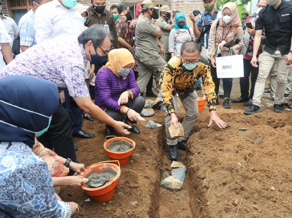 Kemnaker-Kemendes Kolaborasi Bangun 1.000 Sanitasi dan MCK di Desa