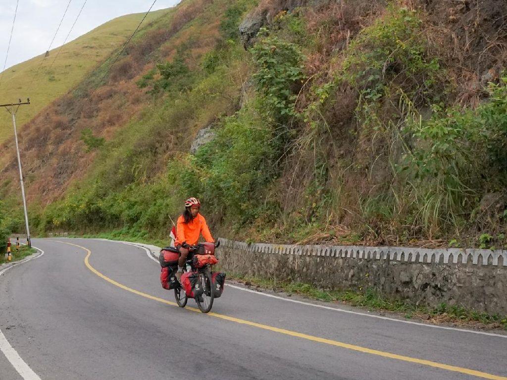 Kisah Maahir Abdulloh Gowes 34 Provinsi dan 7 Puncak Tertinggi Indonesia