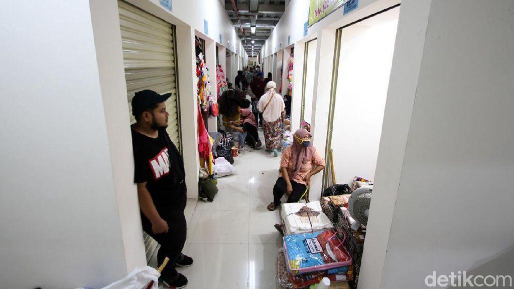 Pedagang Mulai Tempati Pasar Klewer Timur