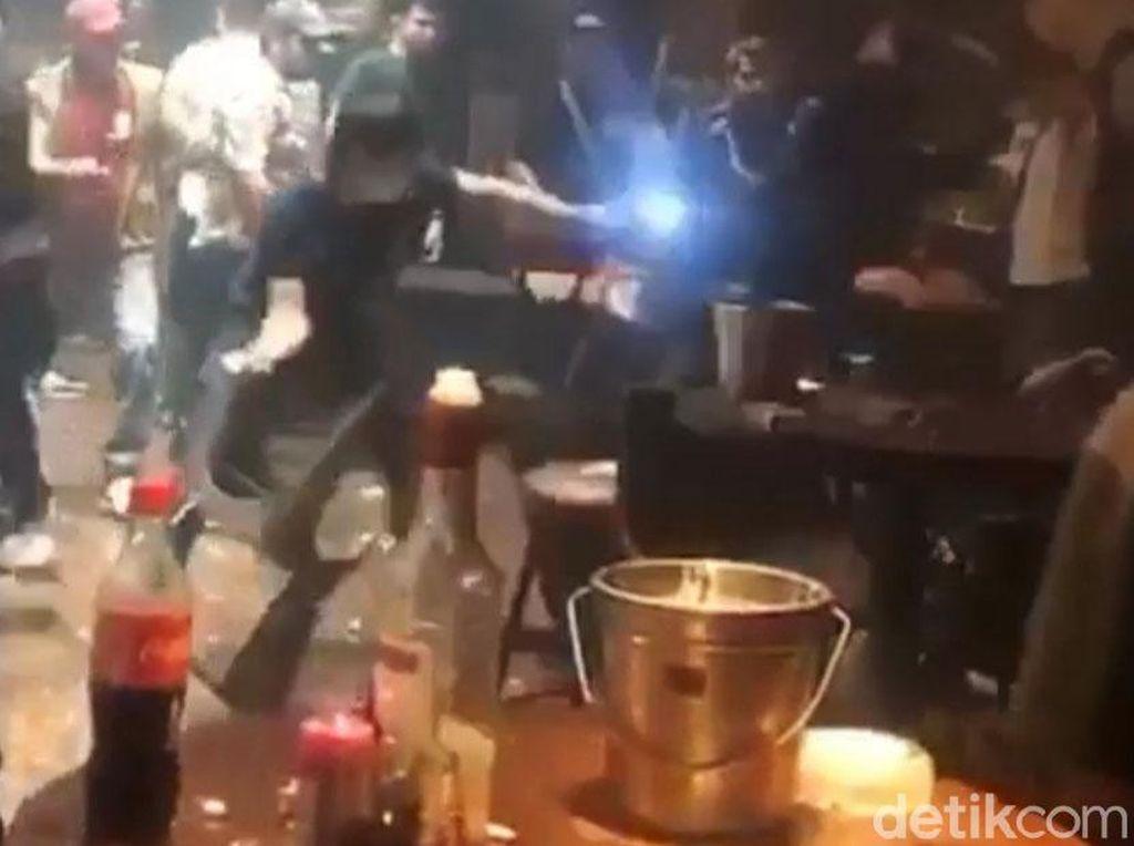 Baku Hantam di Klub Malam Palembang dalam Pantauan Kepolisian