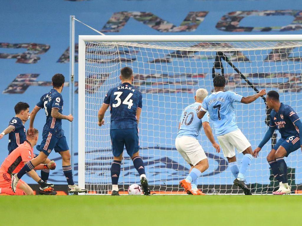 Sterling Antar Man City Ungguli Arsenal 1-0 di Babak Pertama