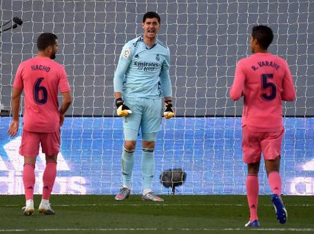 Ciee... Real Madrid dan Barca Kalahnya Barengan