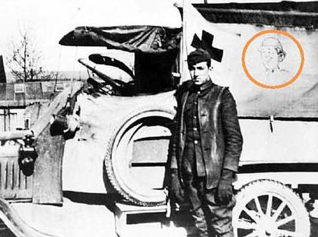Cerita Tokoh Dunia Pernah Jadi Sopir Ambulans: Disney Hingga Hemingway