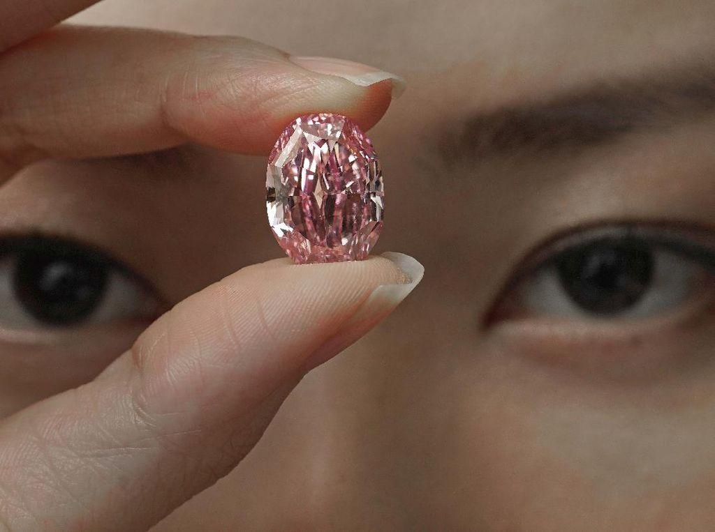 Berlian Pink Ini Akan Dilelang, Tertarik?