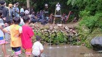 Dongo Gunung dari Festival Lima Gunung di Lokasi Penemuan Candi