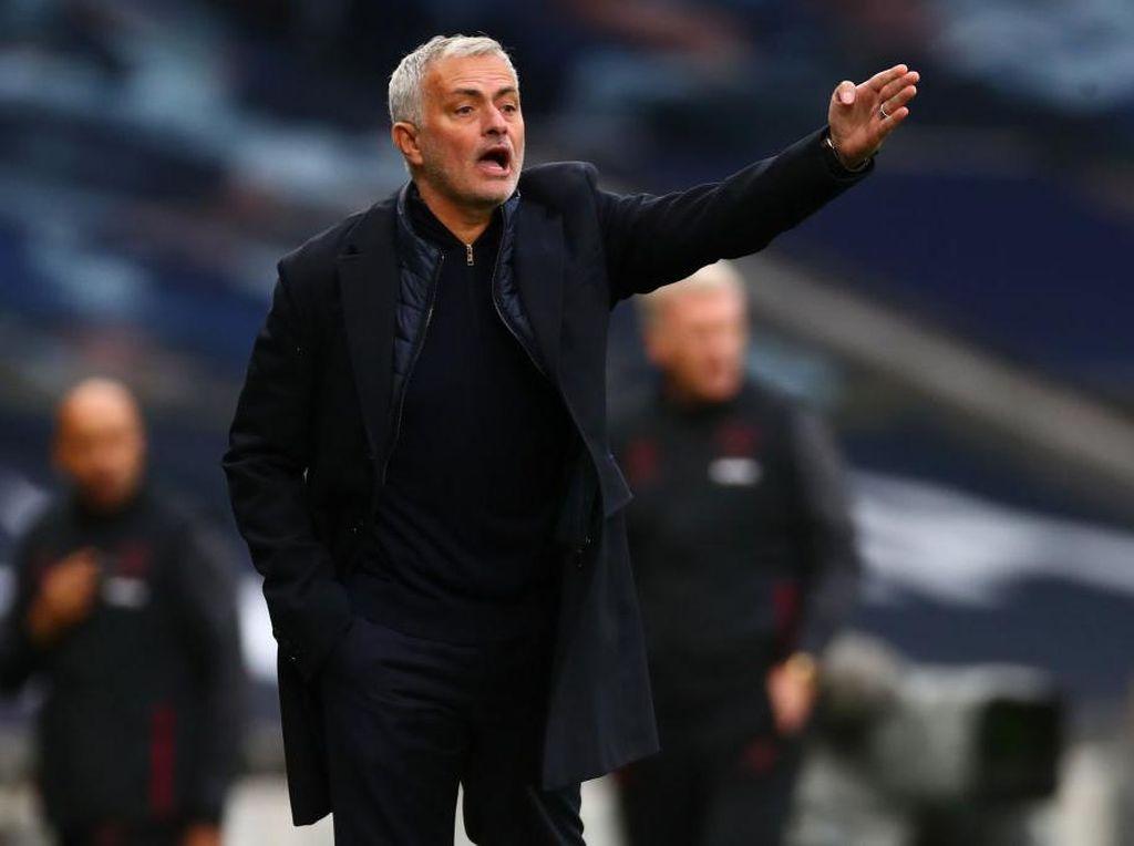 Tottenham Lagi-lagi Menang Tandang, Mourinho Senang