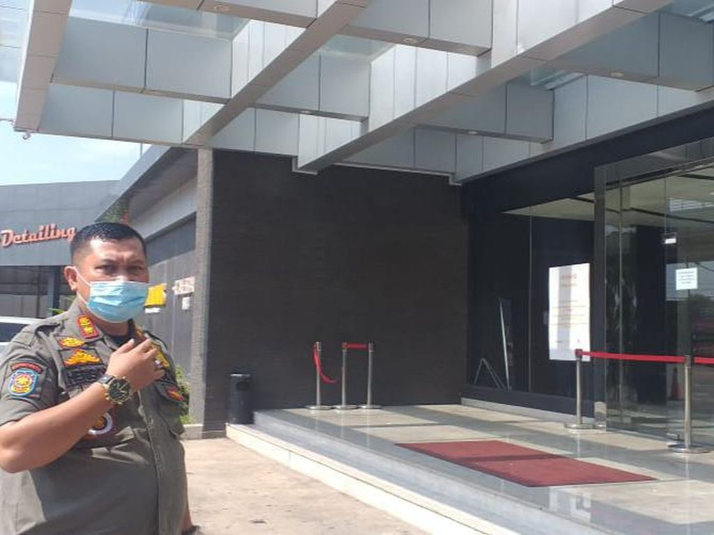 Klub Malam Lokasi Baku Hantam di Palembang Dipasangi Garis Polisi