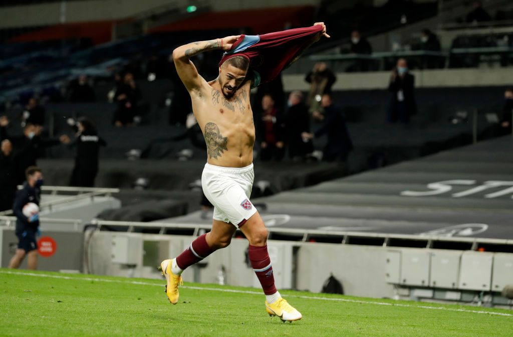 LONDON, ENGLAND - OCTOBER 18: Manuel Lanzini of West Ham United celebrates after scoring his team's third goal during the Premier League match between Tottenham Hotspur and West Ham United at Tottenham Hotspur Stadium on October 18, 2020 in London, England. Sporting stadiums around the UK remain under strict restrictions due to the Coronavirus Pandemic as Government social distancing laws prohibit fans inside venues resulting in games being played behind closed doors. (Photo by Matt Dunham - Pool/Getty Images)