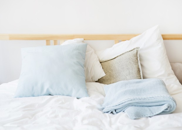 Mengurangi panas kamar tidur dengan ganti sprai/Freepik.com