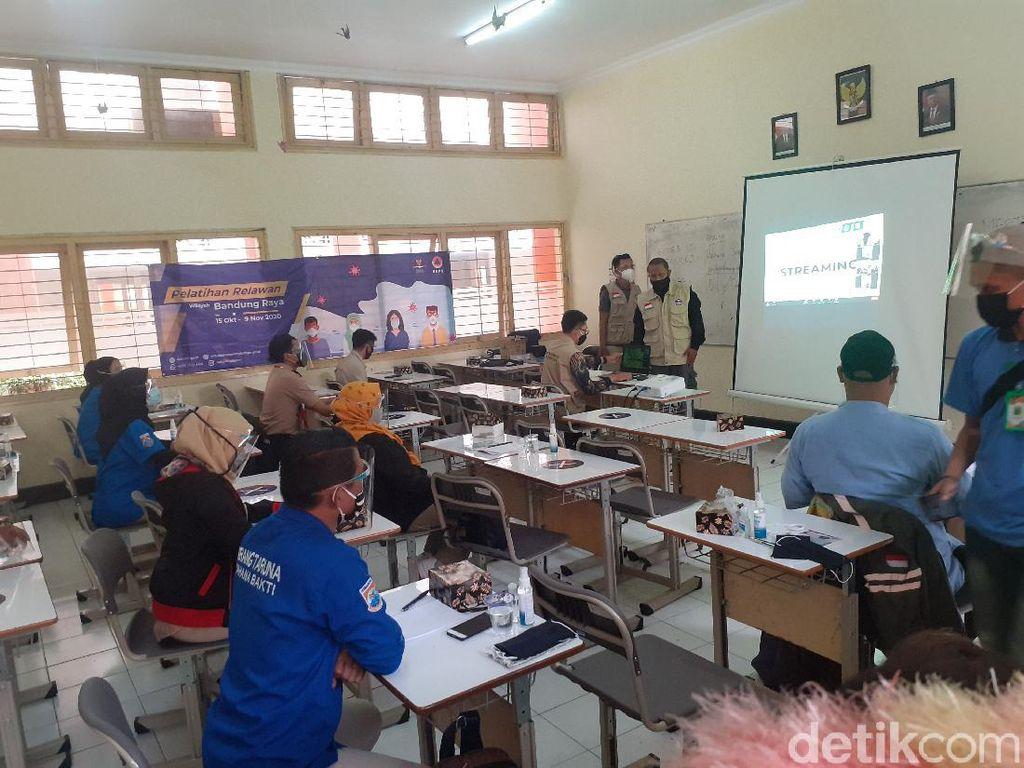 3.000 Relawan COVID-19 Dilatih di Bandung Selama Dua Pekan
