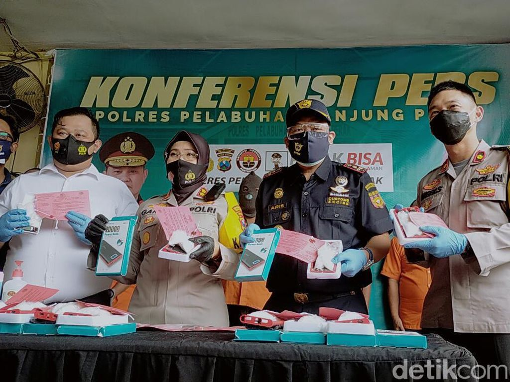 Penyelundupan 1,2 Kg Sabu Asal Malaysia di Dalam Power Bank Digagalkan