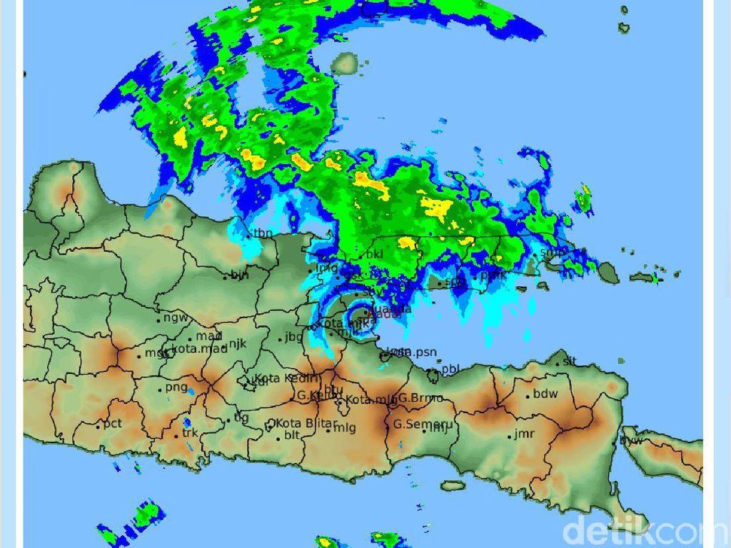 Peringatan BMKG: Hujan Terjadi di Surabaya dan Sejumlah Wilayah Jatim