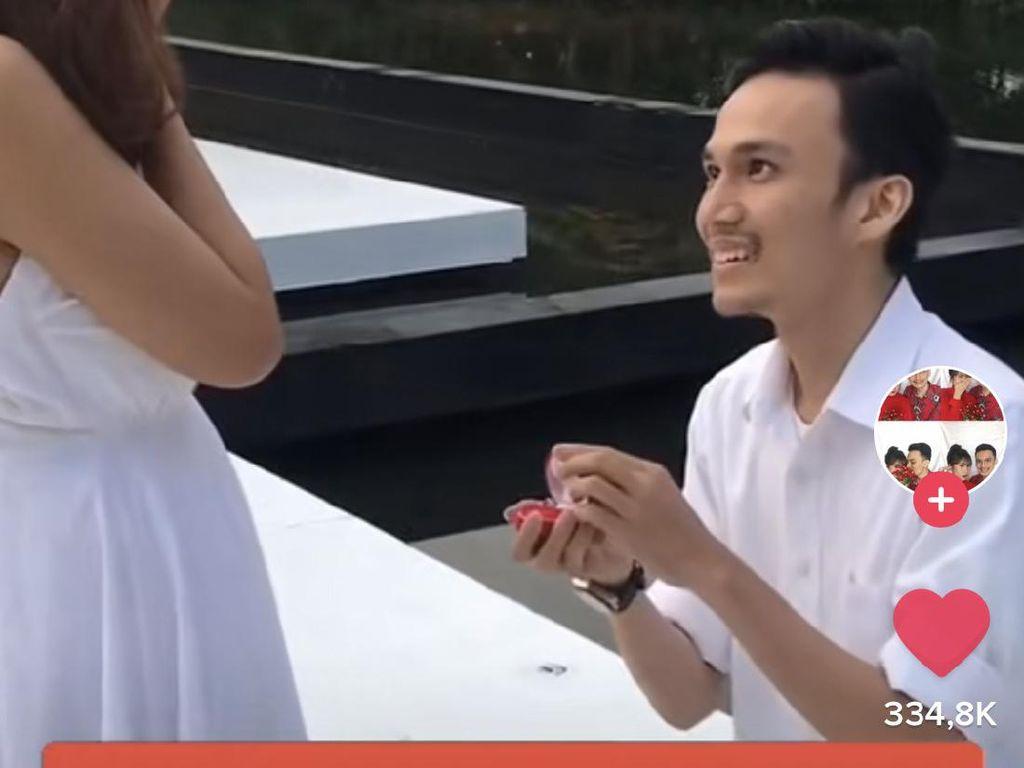 Cerita Wanita yang Viral Perjuangkan Pria Idaman dari SMA Hingga Dilamar