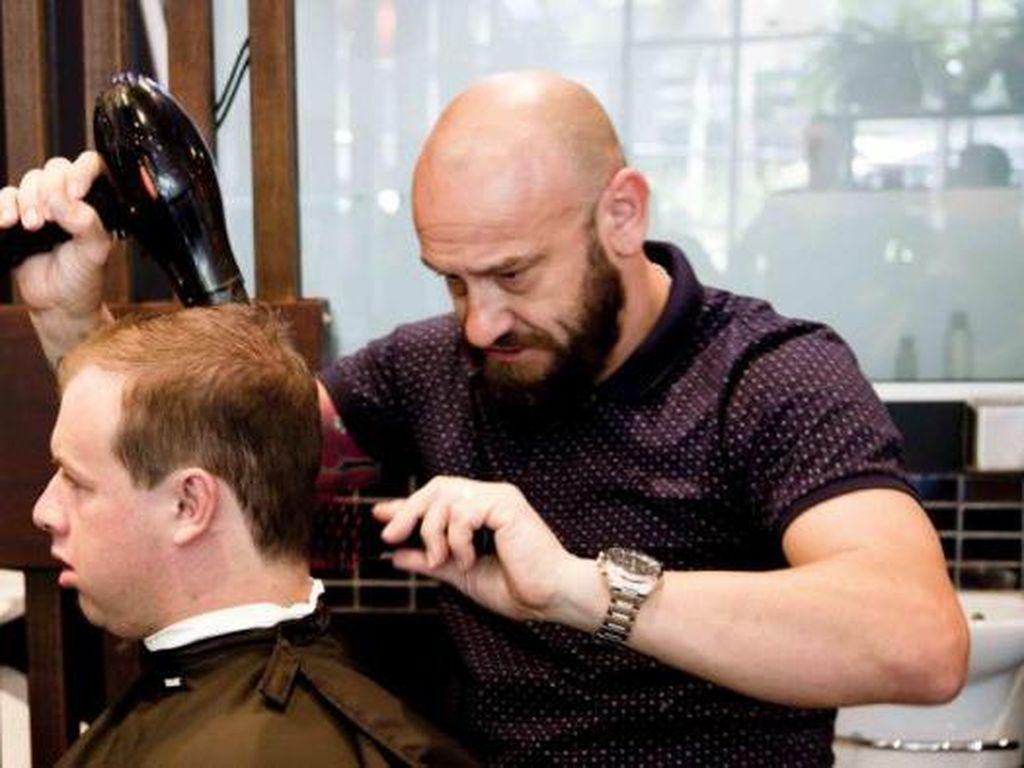 Warga Melbourne Akhirnya Bisa Keluar Rumah Untuk Potong Rambut
