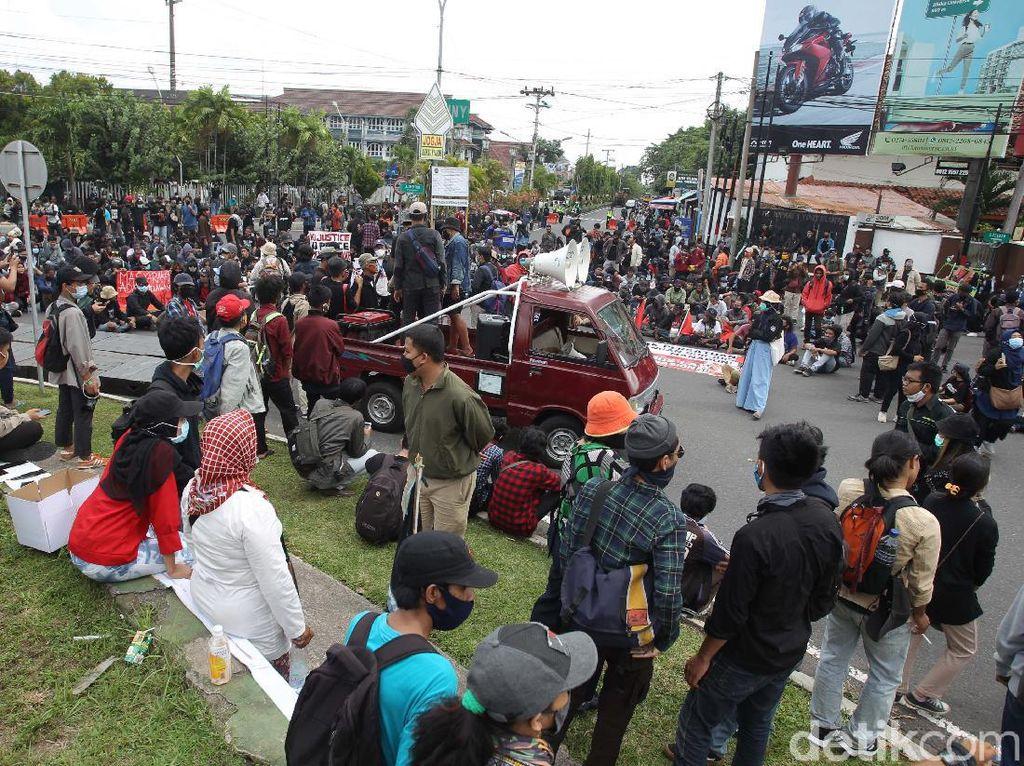 Isi Grup STM Se-Jabodetabek, Ajak Bawa Sajam-Buat Demo Rusuh