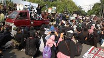 Aksi Demo di Bundaran UGM Berlangsung Damai
