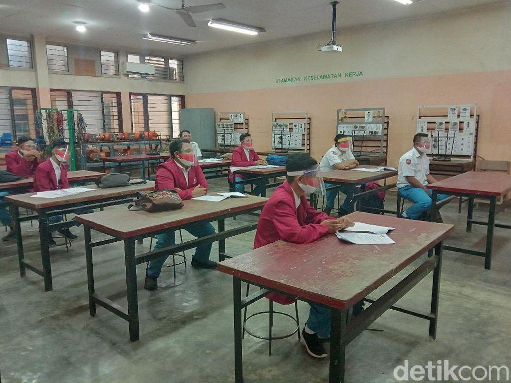 Hindari Ikut Demo, Jam Belajar Siswa SMA/SMK di Surabaya Diganti Siang
