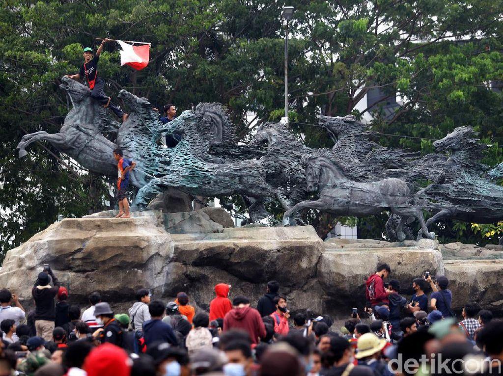 Video Polri Ungkap Informasi Demo Hari Ini akan Dibuat Rusuh