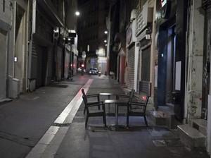 Jam Malam Bikin Paris bak Kota Mati