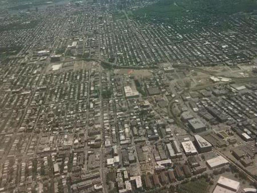 Penampakan Kota Montreal dari Ketinggian 3.000 Kaki, Rapi Ya?