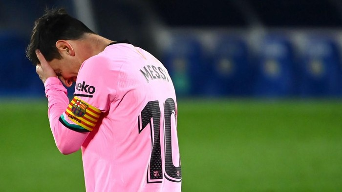 Barcelonas Argentine forward Lionel Messi gestures during the Spanish League football match between Getafe and Barcelona at the Coliseum Alfonso Perez stadium in Getafe, south of Madrid, on October 17, 2020. (Photo by GABRIEL BOUYS / AFP)