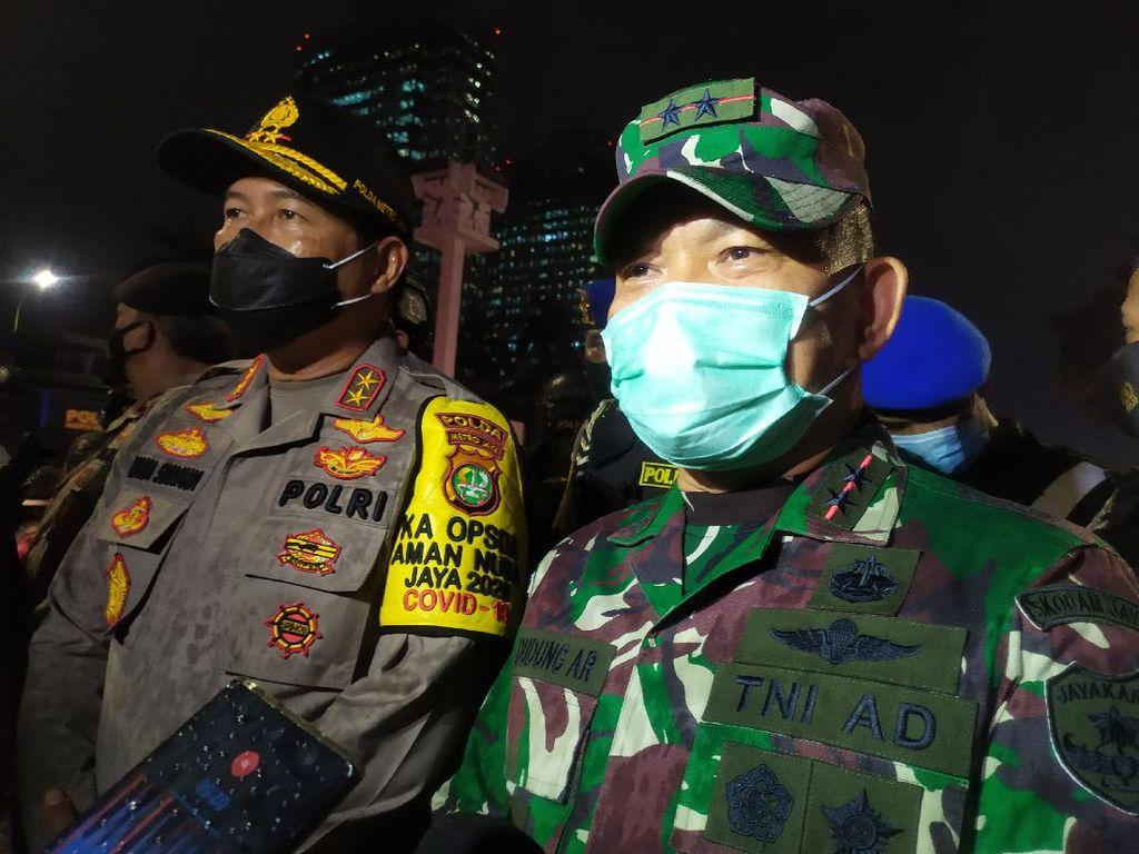 Massa Pulang Dikawal Marinir, Pangdam Jaya Sebut Tak Ada Tindakan Represif